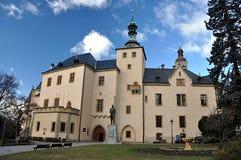 Ziehen Sie sich und die Palaststadt von Kutna Hora, Tschechische Republik, Europa zurück Stockfotos