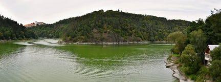 Ziehen Sie sich Verdammung Bitov und Vranov auf dem Fluss Thaya, Süd-Moray, Tschechische Republik zurück Lizenzfreie Stockbilder