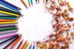 Ziehwerkzeuge, Los bunte Bleistifte gestalten Hintergrund Stockbild