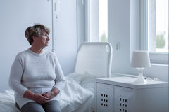 Zieke eenzame vrouw Stock Foto's