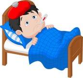 Zieke jongen die in bed ligt Stock Foto's