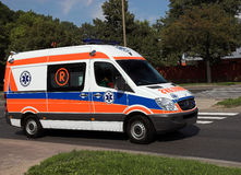Ziekenwagen in actie Stock Afbeeldingen