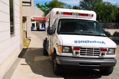 Ziekenwagen bij Noodsituatie Stock Foto's