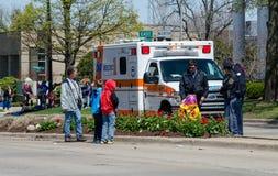 Ziekenwagen bij scène van een ongeval Stock Afbeeldingen