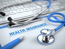 Ziektekostenverzekeringconcept - stethoscoop op laptop toetsenbord met klembord en pen royalty-vrije illustratie