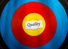 Ziel auf Qualitätskonzept Lizenzfreies Stockfoto