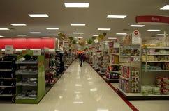 Ziel Superstorefeiertagsdekorations-Weihnachtseinkaufen stockfotos