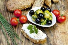 ziele chlebowe świeże zielone oliwki Fotografia Royalty Free