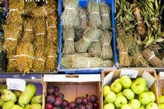 Ziele i owoc w rynku Obraz Royalty Free