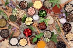 Ziele i pikantności jedzenia podprawa zdjęcia stock