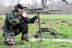 Zielen des Gewehrs stockbilder