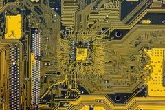 Zieleni i koloru żółtego obwodu deski drukowany PCB zdjęcie stock