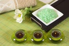 zieleni kąpielowa sól zdjęcia stock