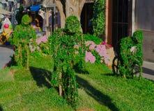 Zieleni rzeźby w ogródzie Zdjęcie Royalty Free