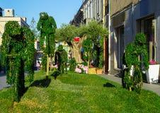 Zieleni rzeźby w ogródzie Fotografia Royalty Free
