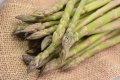 Zieleni Szparagowi warzywa Fotografia Royalty Free