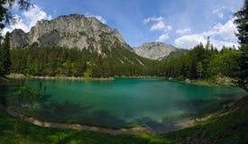 zielenieje jezioro Zdjęcia Stock