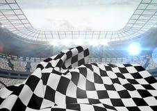 Zielflagge, die in Stadion wellenartig bewegt Lizenzfreie Stockfotos