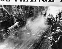 Ziellinie am Auto - Rennen (alle dargestellten Personen sind nicht längeres lebendes und kein Zustand existiert Lieferantengarant Lizenzfreie Stockfotografie