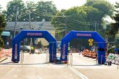 Ziellinie des Segens des Flotten-Straßenrennens, Narragansett, RI Stockfoto