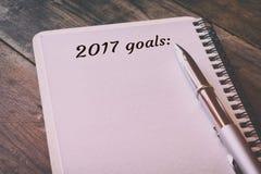 Zielliste der Draufsicht 2017 mit Notizbuch Stockfoto