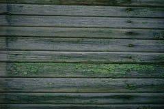 Zielona drewniana tekstura jako t?a stary za?amuje si? ogrodzenie zdjęcia stock