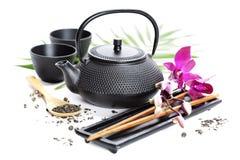 Zielona herbata i chopsticks zdjęcia royalty free