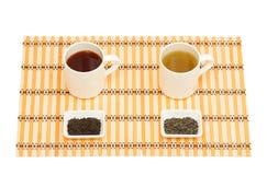 Zielona herbata i czarna herbata Zdjęcia Royalty Free