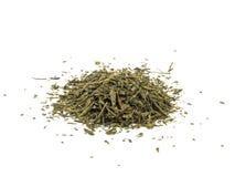 Zielona herbata z liściem odizolowywającym na białym tle obrazy royalty free