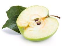 Zielona jabłczana połówka Obrazy Stock