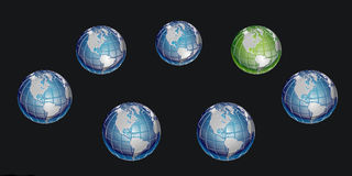 Zielona kula ziemska wśród wiele błękitnych kul ziemskich na czarnym tle Obraz Stock