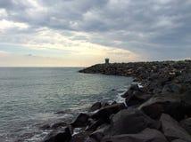 Zielona latarnia morska w morzu włochy Rzymu Zdjęcia Stock