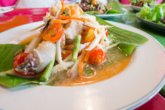 Zielona melonowiec sałatka z krabem, somtum tajlandzki jedzenie Obrazy Stock