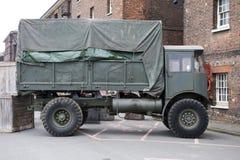 Zielona militarna ciężkiego ładunku ciężarówka Zdjęcia Royalty Free