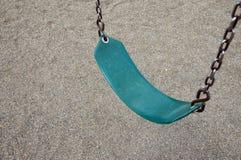 Zielona park huśtawka Zdjęcie Royalty Free
