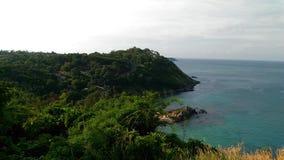 Zielona roślina Phuket Thailand i zielony morze Obraz Royalty Free