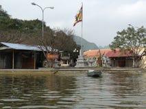 Zielona rzeka Perfumować pagodę w Hanoi, Wietnam, Azja Obraz Stock