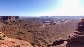 Zielona rzeka przegapia, Canyonlands, niebieskie niebo fotografia royalty free