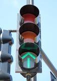 Zielona sygnalizacja drogowa Obrazy Royalty Free