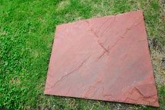Zielona trawa i skała Obrazy Stock