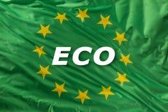 Zielona unii europejskiej flaga jako ocena organicznie życiorys ekologia lub jedzenie obrazy royalty free