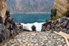 Zielona woda w Laguna Quilotoa, Ekwador zdjęcia stock
