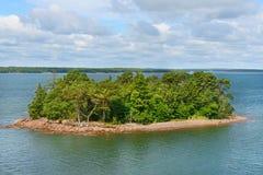Zielona wyspa w archipelagu Aland wyspy Zdjęcie Royalty Free