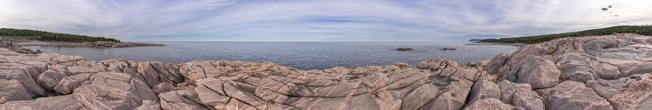 Zielona zatoczka, przylądków Bretońscy średniogórza Sunie Pełny Panoramicznego Zdjęcie Stock