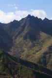 Zielone Anaga góry lekkie cień target4133_0_ Tenerife Fotografia Stock