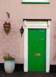 zielone drzwi Obrazy Stock