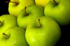 zielone jabłka całej mieszanych Fotografia Royalty Free