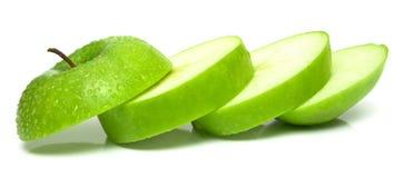 zielone jabłka cięcia części Obraz Royalty Free