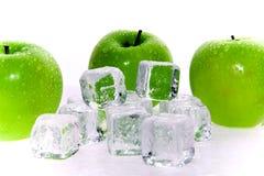zielone jabłka kostek lodu Zdjęcie Royalty Free