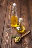 zielone nafciane oliwne oliwki Zdjęcia Royalty Free